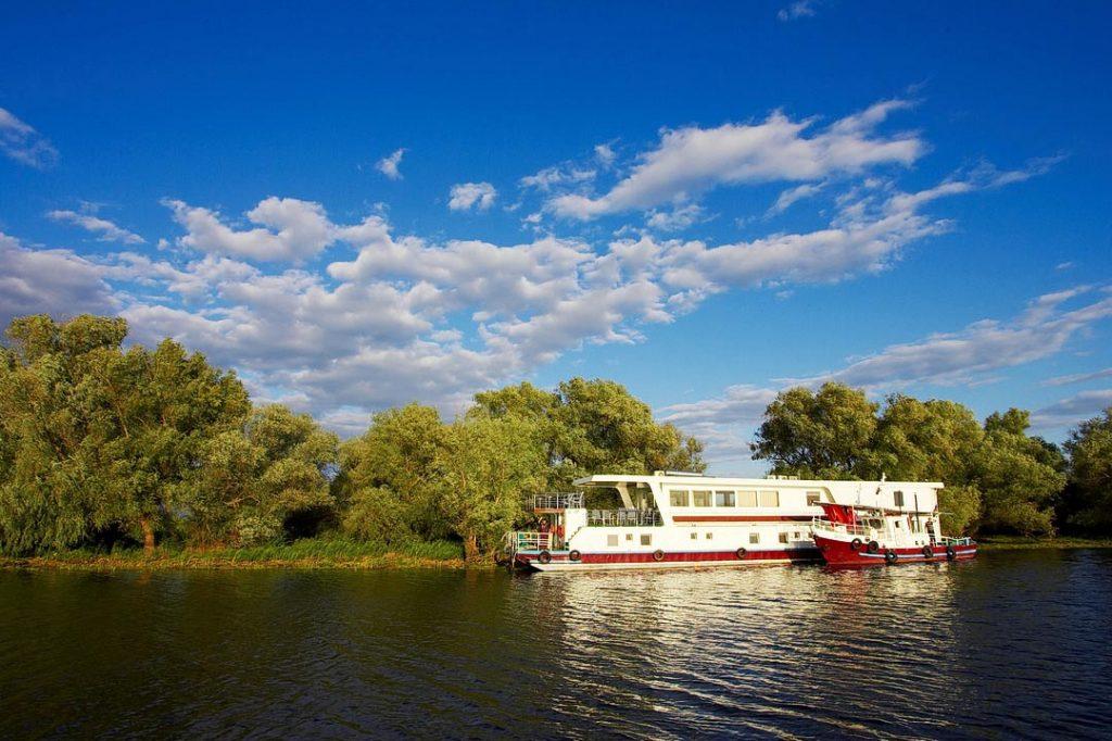 Croaziera hotel plutitor in Delta Dunarii - 4 zile -3 nopti