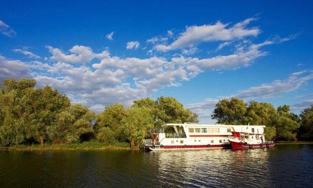 Croaziera cu hotelul plutitor in Delta Dunarii 4 zile